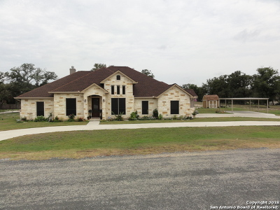 Floresville TX Single Family Home Price Change: $370,000
