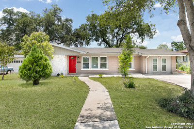 San Antonio Single Family Home For Sale: 3318 W Woodlawn Ave