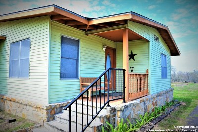 Floresville TX Single Family Home For Sale: $499,900