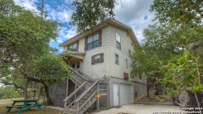 Canyon Lake Single Family Home For Sale: 152 Black Oak Dr