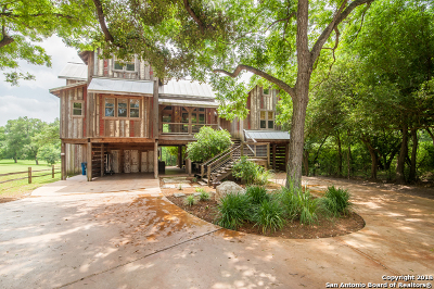 New Braunfels Single Family Home For Sale: 1210 Sleepy Hollow Ln