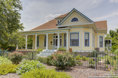 Seguin Single Family Home Price Change: 520 Milam St