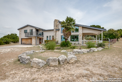 Canyon Lake Single Family Home For Sale: 837 Military Dr