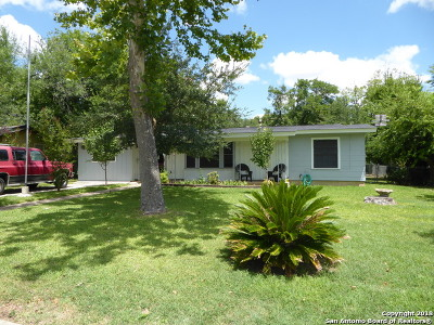 Guadalupe County Single Family Home New: 457 Wallace St