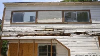 San Antonio Single Family Home Price Change: 147 Livingston