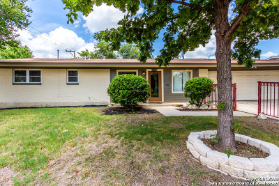 San Antonio Single Family Home New: 303 Redcliff Dr