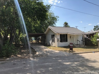 Atascosa County Single Family Home For Sale: 907 Martin St