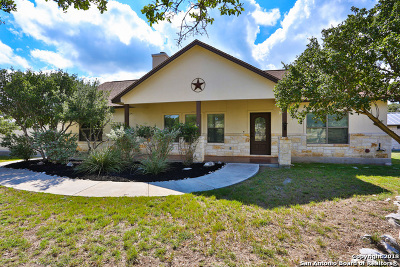 Boerne Single Family Home New: 307 Red Oak Dr