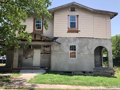 San Antonio Multi Family Home New: 1438 W Ridgewood Ct