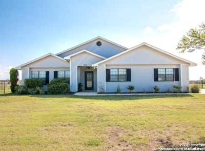 Bandera Single Family Home For Sale: 903 Flying L Dr