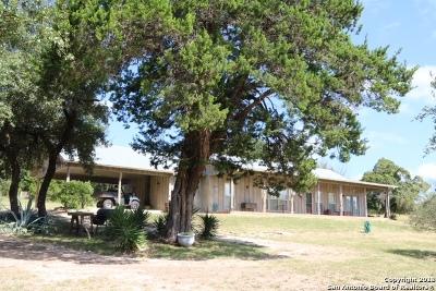 Bandera County Single Family Home Active RFR: 1010 Dead Poacher Trail