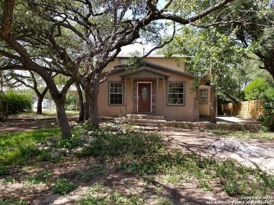Canyon Lake Single Family Home For Sale: 1365 Hedgestone