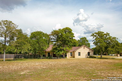 La Vernia Single Family Home For Sale: 139 Shadow Woods