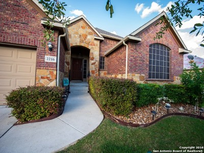 Schertz Single Family Home For Sale: 2216 Oak Valley