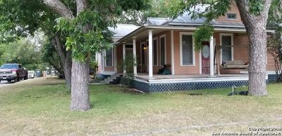 Comal County Single Family Home For Sale: 209 Union Ave