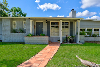 San Antonio Single Family Home For Sale: 206 Woodcrest Dr