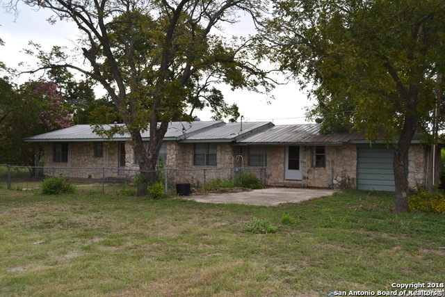 3 bed / 2 baths Home in Mico for $185,000