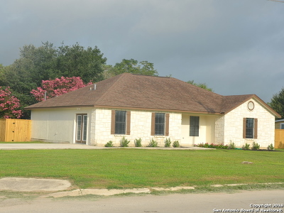 Medina County Single Family Home For Sale: 703 Windy Knoll Dr