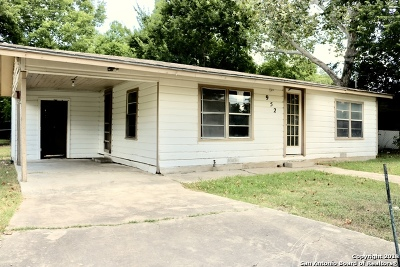 Seguin Single Family Home For Sale: 952 Anderson St
