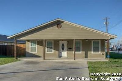 Seguin Single Family Home For Sale: 1084 E Weinert St