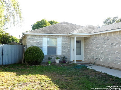 New Braunfels Single Family Home For Sale: 22 Shadow Circle