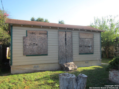 San Antonio Single Family Home For Sale: 1443 Saenz
