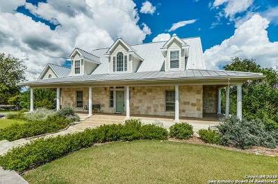 Boerne Single Family Home For Sale: 108 Valley Knoll
