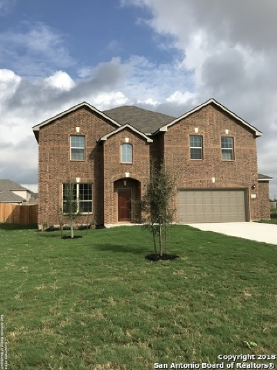 Guadalupe County Single Family Home For Sale: 1427 Garden Laurel