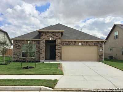 Guadalupe County Single Family Home For Sale: 5264 Forest Oak