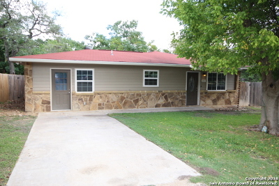 Kendall County Single Family Home For Sale: 103 Live Oak Circle
