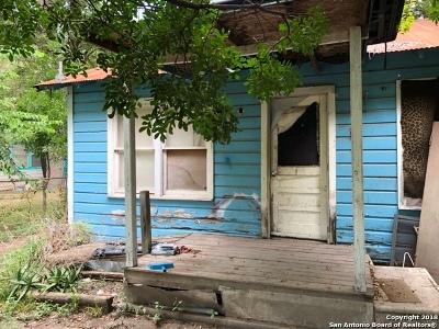 Seguin Single Family Home New: 1118 Timber Elm
