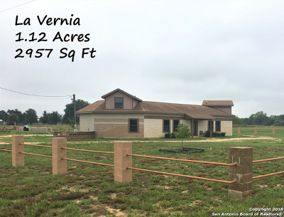 La Vernia Single Family Home For Sale: 272 Cr 341