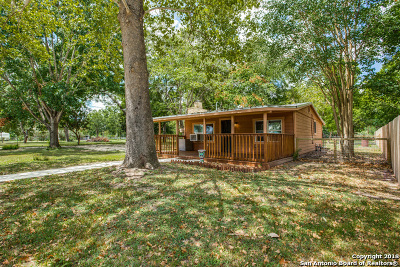 Seguin Single Family Home New: 351 Meadow Lake Dr