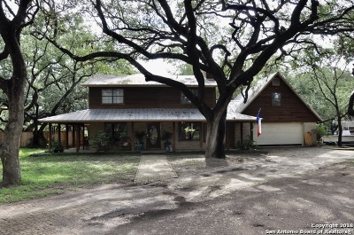 Atascosa County Single Family Home New: 114 Massad Dr