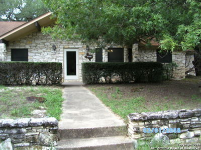 Atascosa County Single Family Home New: 103 Crestline Dr