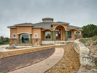 Canyon Lake Single Family Home For Sale: 522 Rebecca Creek Rd