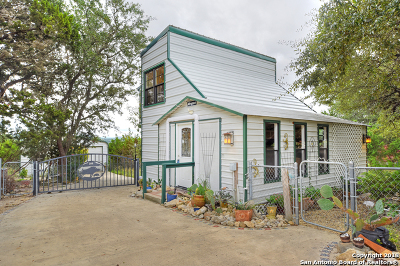 Bandera Single Family Home New: 401 Pr 1520