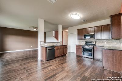 Bexar County Single Family Home New: 923 Three Wood Way