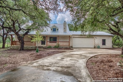 Bandera Single Family Home New: 425 Settlers Ln