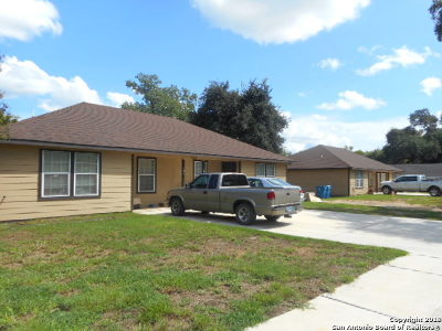 Atascosa County Multi Family Home For Sale: 512 Dossey