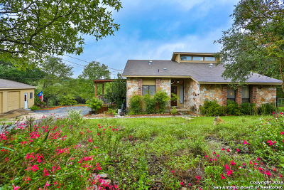 Bexar County Single Family Home For Sale: 9211 Saddle Trail