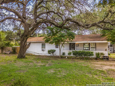 Atascosa County Multi Family Home For Sale: 821 Austin St