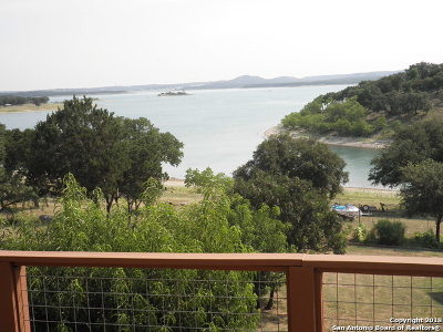 Canyon Lake Single Family Home For Sale: 333 Spanish Oak Esp