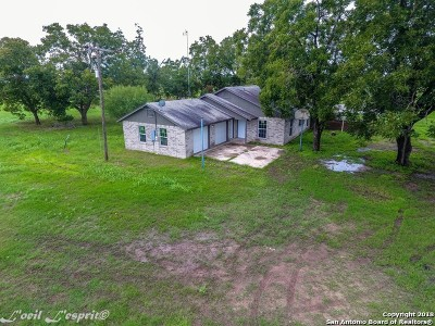 Guadalupe County Single Family Home For Sale: 13042 I-10 W