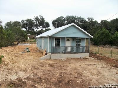 Canyon Lake Single Family Home For Sale: 460 Burr Oak Ln