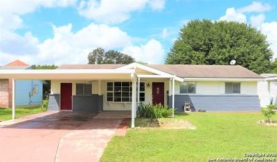Schertz Single Family Home For Sale: 701 Brooks Ave