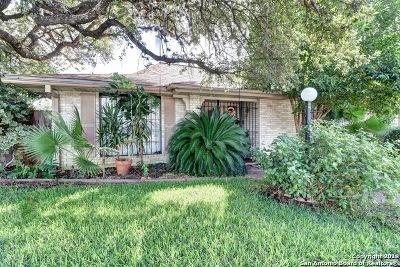 Windcrest Single Family Home For Sale: 398 Fenwick Dr