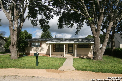 Castroville Single Family Home For Sale: 709 Berlin St