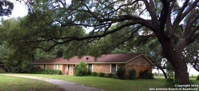 Atascosa County Single Family Home New: 108 Pulliam Dr