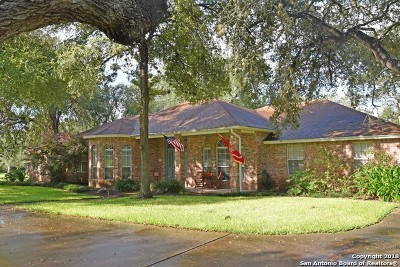 Guadalupe County Single Family Home For Sale: 312 Oak Mott Ct